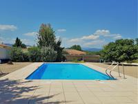 Entre Cessenon sur Orb et Saint Chinian, fantastique maison 4 chambres, jardin bien aménagé avec piscine et vues
