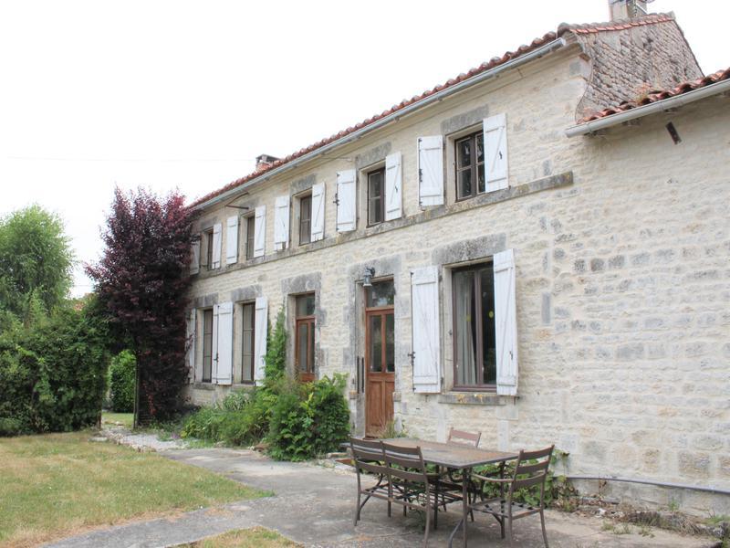 Maison à vendre à RANVILLE BREUILLAUD(16140) - Charente