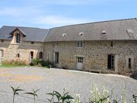 French property for sale in MARTIGNE SUR MAYENNE, Mayenne - €968,500 - photo 2