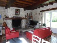 French property for sale in BOURG, Gironde - €360,400 - photo 2