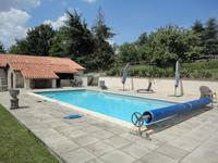 French property for sale in NANTEUIL EN VALLEE, Charente - €477,000 - photo 2