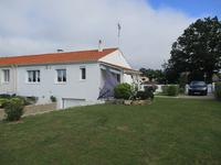 French property for sale in LA CHAIZE LE VICOMTE, Vendee - €181,440 - photo 10