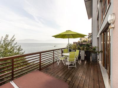 Super 4 bedroom town house immediately overlooking the shore of Lake Geneva (Lac Leman) - large deck with panoramic views across the lake to Vevey and Montreux - between Evian-les-Bains and Saint-Gingolph - direct access to the lake and proximity to skiing in Thollon-les-Memises, Bernex and the Swiss ski resorts of the Rhone Valley - Evian-les-Bains - Saint-Gingolph - Meillerie, Haute Savoie