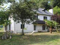 French property for sale in ESQUIULE, Pyrenees Atlantiques - €295,000 - photo 2