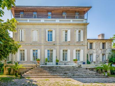 chateauin LAMOTHE MONTRAVEL