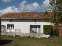 French property for sale in BRIOUX SUR BOUTONNE, Deux Sevres - €85,000 - photo 10