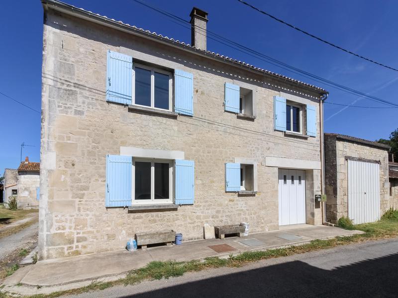 Maison à vendre à SAINTES(17100) - Charente Maritime