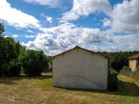 French property for sale in AIGNES ET PUYPEROUX, Charente - €18,000 - photo 5