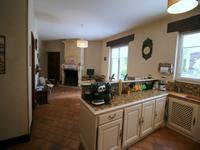 Maison à vendre à BARBEZIEUX ST HILAIRE en Charente - photo 6