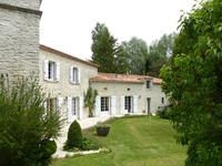 French property for sale in BARBEZIEUX ST HILAIRE, Charente - €498,200 - photo 8
