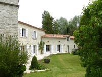 Maison à vendre à BARBEZIEUX ST HILAIRE en Charente - photo 7