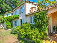 Villa provençale dominant la Côte jusqu'à la mer