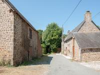 French property for sale in , Mayenne - €172,800 - photo 2