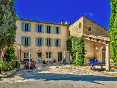 Reillanne, Luberon: A Provençal dream which consists of a stately manor and an extra guest house with 3 beautiful and spacious gîtes - with large pool - ideal for seasonal business.
