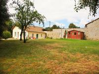 French property for sale in MAIRE LEVESCAULT, Deux Sevres - €119,900 - photo 2