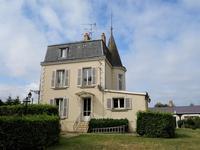 French property for sale in PRE EN PAIL, Mayenne - €224,700 - photo 2