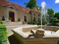 chateau for sale in CHABLISYonne Bourgogne