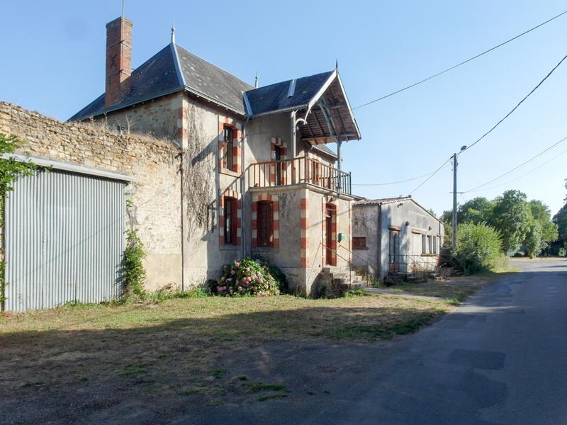 Maison à vendre à STE VERGE(79100) - Deux Sevres