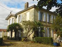 French property for sale in BOURG, Gironde - €358,700 - photo 1