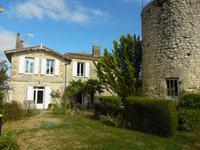 French property for sale in BOURG, Gironde - €358,700 - photo 10