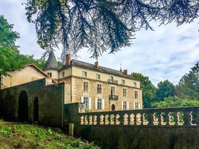 chateauin ANNESSE ET BEAULIEU