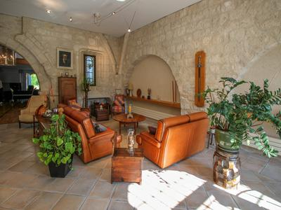 Exceptional ! High quality renovation for this character property, parts dating back to the 13th century, 5 bedrooms, garage, swimming pool and private garden