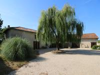 French property for sale in CHALAIS, Charente - €349,500 - photo 1