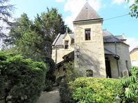 Proche Tredion : Propriété idyllique d'exception dans une cadre privilégié -Petit Manoir 18eme avec une grande âme  et Jardin sublime de 2725m2 traversée par un ruisseau.