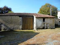 French property for sale in MONTMOREAU ST CYBARD, Charente - €199,800 - photo 5