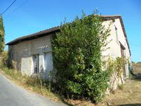 French property for sale in MONTMOREAU ST CYBARD, Charente - €199,800 - photo 6