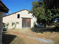 French property for sale in MONTMOREAU ST CYBARD, Charente - €199,800 - photo 4