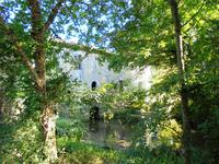 French property for sale in MONTMOREAU ST CYBARD, Charente - €199,800 - photo 2