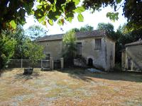 French property for sale in MONTMOREAU ST CYBARD, Charente - €199,800 - photo 3