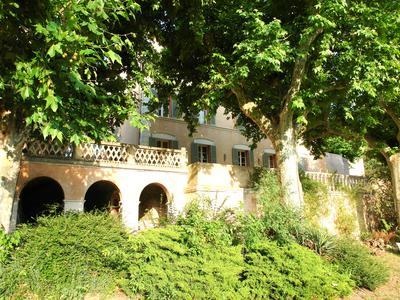 Gorgeous Maison de Maitre 18th century, property with 450 m² habitable space. 300m² of terrace and surrounded by 3 hectares of agricultural land. 30 minutes drive to Saint Tropez and 50 minutes to Nice Airport.
