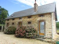 French property for sale in LA SELLE CRAONNAISE, Mayenne - €245,000 - photo 2