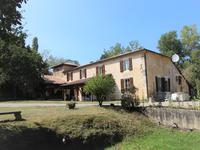 houses and homes for sale inSTE MAURE DE PEYRIACLot_et_Garonne Aquitaine