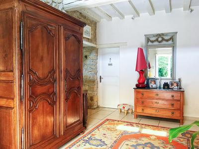 Fantastic longère in excellent condition, with large garden and very close to Alençon.