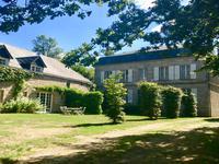 Chateau à vendre à PEYRELEVADE en Correze - photo 1