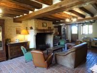 Maison à vendre à ENTRAINS SUR NOHAIN en Nievre - photo 2