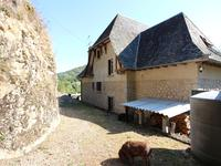 French property for sale in ENTRAYGUES SUR TRUYERE, Aveyron - €246,100 - photo 2