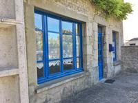 Maison de ville spacieuse, plus appartement et des bureaux, au centre d'Alençon