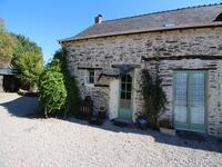 French property for sale in ST JULIEN DE VOUVANTES, Loire Atlantique - €371,000 - photo 2
