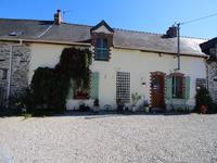 French property for sale in ST JULIEN DE VOUVANTES, Loire Atlantique - €371,000 - photo 3