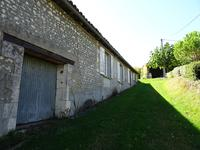 French property for sale in BARBEZIEUX ST HILAIRE, Charente - €129,710 - photo 9