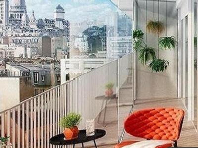 PARIS 18th at the foot of Montmartre, contemporary topfloor apartment of 4 rooms (T4) offering 85 m² & 85 m² rooftop terrace, ideally South-East oriented , with acoustic and thermic comfort, on the 8th floor of a building under construction, with unobstructed views on famous and spectacular Sacré Cœur basilica