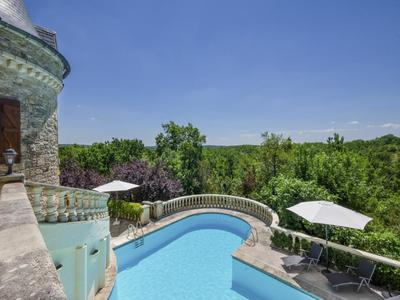 Fairytale castle with 10 bedrooms, sold fully furnished, with swimming pool, sports and activity centre, and caretakers cottage on 18 ha of land
