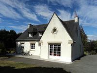 Propriété de 5 chambres avec terrain de 5000m2 - parfaitement située entre Malansac et Rochefort en Terre.