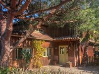 """Magnifique demeure d'architecte style """"maison du cap"""" vue sur Golf Bordelais - Fort potentiel commercial (location saisonniére - chambres d'hôtes) - activité existante depuis 10 ans."""