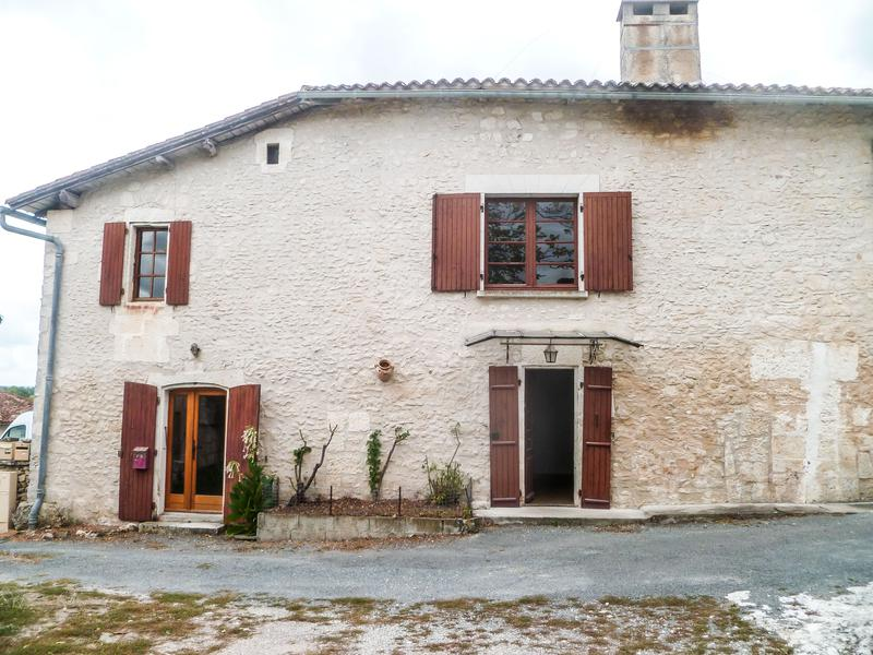 Maison à vendre à CHAMPAGNE ET FONTAINE(24320) - Dordogne