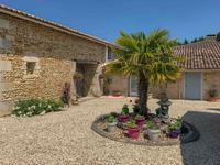 French property for sale in MIRAMBEAU, Charente Maritime - €371,000 - photo 7